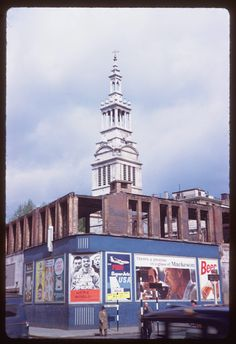 Date: May 1961 Location: London, England, United Kingdom (Greater London county) Description: Grey friar's church Vintage London, Old London, British People, London History, Greater London, London Life, Old Photos, United Kingdom, Beautiful Places