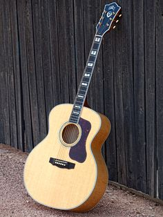 Guild Jumbo Acoustics | Guild Guitars Sold my 1960's Guild for a Larriveé guitar.