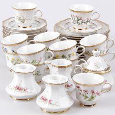 https://auctionet.com/en/350832-kaffeservis-samt-kaffeskedar-53-delar-flora-alpina-svaneholm/images