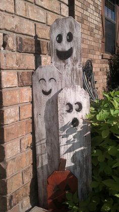 Fence posts ghosts!