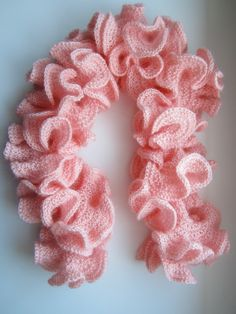 hyperbolic crochet scarf Freeform Crochet, Crochet Art, Knit Or Crochet, Crochet Scarves, Crochet Shawl, Crochet Crafts, Yarn Crafts, Crochet Clothes, Crochet Stitches