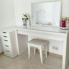 Little Girl Bedrooms, Girls Bedroom, Bedroom Decor, Bedroom Ideas, Makeup Storage Dresser, Makeup Desk, Home Organisation, Organization, Vanity Decor