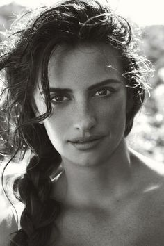 Penelope  Cruz beautiful without makeup. Skin is the new fashion. With the correct beauty regime, skin can be flawless. Just curl your lashes for a beautiful truly natural look. Consult Joy with your specific concerns...