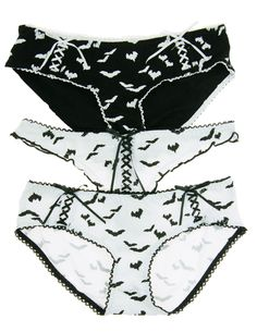 864f2a842f Amazon.com  Cotton Cantina Juniors 3 Pack Bat Halloween Panties with Lace  up Details