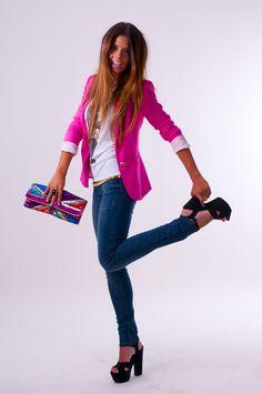 Bolsa linda e estilosa...Eu tbm tenho uma :)