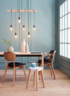 Wie kombiniert man am besten Tische und Stühle? Erfahre mehr dazu in unserem Blog. Dining Chairs, Dining Room, Beautiful Homes, Arch, House Design, House Styles, Decoration, Blog, Furniture