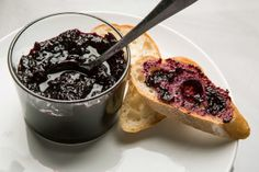 Recipe: Blueberry jam with lime || Photo: Fred R. Conrad/The New York Times
