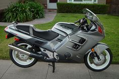 A Honda CBR1000F & CBR1100XX   Moto Clube Honda Bikes, Honda Motorcycles, Royal Enfield, Sport Bikes, Custom Bikes, Motorbikes, Touring, Cycling, Boards