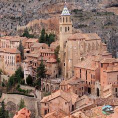 Descubrimos uno de los pueblos más bonitos de Teruel, Albarracín.? Un pueblo con mucho encanto.