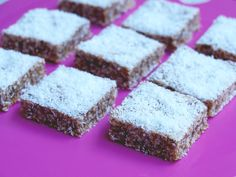 Makes 15 squares This no bake slice is quick, easy and packed full of yum. A bowl of cereal was a breakfast favourite growing up and it was one of my favourite brinners too. Chocolate Mint Cookies, Chocolate Slice, Mint Slice, Fruit Slice, Rice Bubble Recipes, Recipes With Rice Bubbles, Rice Krispie Treats, Rice Krispies, Rice Bubble Slice