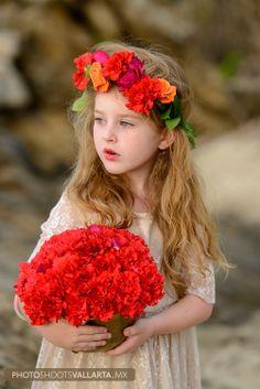 the cutiest flower girl!!