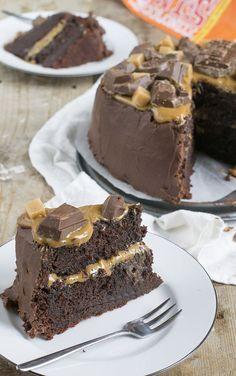 Het is feest: 5 jaar geleden startte ik brendakookt.nl. Dit is dus een heus jubileum, 5 jaar brendakookt.nl! Dat is een taart waard! Een chocoladetaart met salted caramel. Vijf jaar geleden startte ik vrij impulsief mijn blog. Ik had toen niet kunnen weten dat dit zo zo'n groot deel van mijn leven zou worden en... LEES MEER...