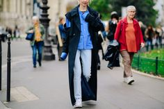 The Street Style Stars of Paris Fashion Week Are All About Bold Color, Statement Bags, And A Good Beret Photos Star Fashion, Paris Fashion, Cool Street Fashion, Street Style, Paris Street, Catwalk, Outfit Of The Day, Cool Style, Style Inspiration