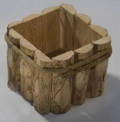 Resultado de imagem para cachepot de madeira Rustic Log Furniture, Cool Furniture, Wooden Planters, Planter Boxes, Timber Logs, Wood Scraps, Wood Vase, Diy Holz, Wood Interiors