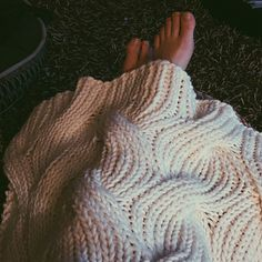 This free knit pattern throw is completely reversible. This free knit pattern throw is completely reversible. The post This free knit pattern throw is completely reversible. appeared first on Knit Diy. Knitted Throw Patterns, Free Baby Blanket Patterns, Knitted Afghans, Afghan Patterns, Knitted Blankets, Knitting Patterns Free, Free Knitting, Baby Knitting, Baby Blankets