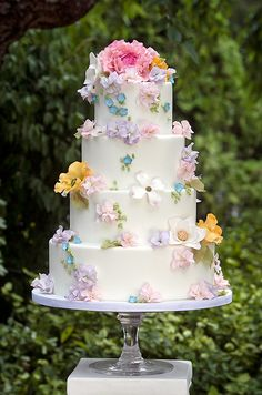 Ana Parzych Cakes - photo by Jag Studios. Will be so beautiful for a garden wedding.