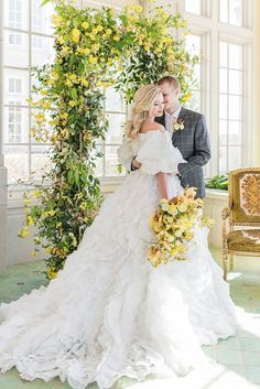 Epic Ruffled Wedding Dress by Ysa Makino Yellow Wedding Flowers, Summer Flowers, Green Wedding, Wedding Shoot, Wedding Ceremony, Wedding Ideas, Wedding Arches, Latte Wedding, Woods Wedding Inspiration