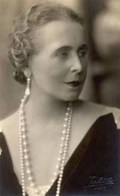 Queen Marie of Romania- a beautiful Baha'i