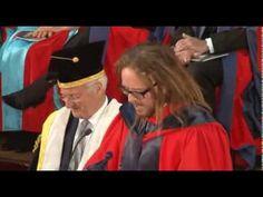 Discurso de Tim Minchin en la ceremonia de graduación de la UWA 2013 [su...