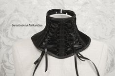Halskorsett Halsband aus schwarzem von TimeTravelingTailor auf Etsy