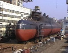 Russian Delta-class SSBN in dry dock American Aircraft Carriers, Russian Submarine, Nuclear Submarine, Merchant Marine, Military Figures, Navy Military, Boat Stuff, Navy Ships, Submarines