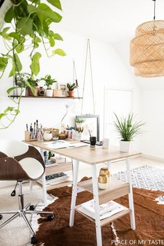 52 Office Decor Everyone Should Try This Year - Interior Design Office Interior Design, Office Interiors, Office Designs, Hotel Interiors, Kitchen Interior, Interior Ideas, Modern Interior, Best Office, Cool Office Space