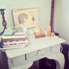 peace & love by #woodenstory ✨ #woodenblocks #ecodesign #peaceandloveblocks #woodentoy #interiordesign #ecohome #winniethepooh #home #pastels #light