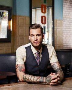 66 Rockabilly Frisuren - coole Ideen in Rockabilly Frisuren - coole Ideen in Retro-Look,Tho Rockabilly Man, Rockabilly Fashion, Hot Tattoos, Tattoos For Guys, Tatoos, Mens Tattoos, Tattoo Guys, Tattoo People, Mens Rockabilly Hairstyles