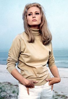 Love Then, Love Now: Faye Dunaway's retro chic