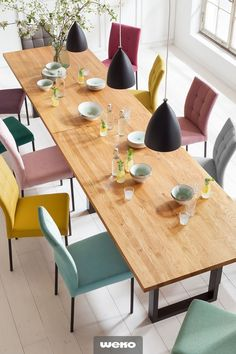 Colorful chair mix at the dining table- Bunter Stuhl-Mix am Esstisch There are far too many beautiful chairs to choose only one model. Colorful Chairs, Dining Table Chairs, Living Room Decor, Diy Home Decor, Kitchen Decor, Sweet Home, Decoration, House, Furniture