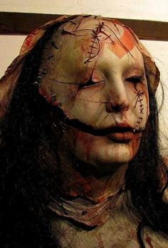 Everything to do with horror films, I love it! Horror Make-up, Horror Masks, Arte Horror, Horror Films, Mask Makeup, Scary Makeup, Sfx Makeup, Zombies, Horror Photos