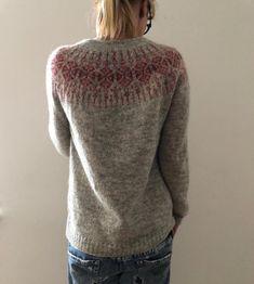Knitting Stitches, Knitting Yarn, Knitting Patterns, Knitting Designs, Ravelry, Cross Stitch Thread, Lang Yarns, Dress Gloves, Red Heart Yarn