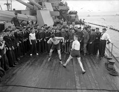 HMS Anson's crew enjoying a boxing match on August 1942 August 19, King George, Battleship, Great Britain, Ww2, Boxing, Old Things, British, Ships