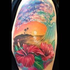 Fantasia de hibisco ondas braço de tatuagem http://tatuagens247.blogspot.com/2016/08/verao-quente-tatuagem-ideias.html