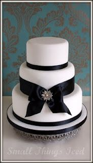 Simple wedding cake by Small Things Iced