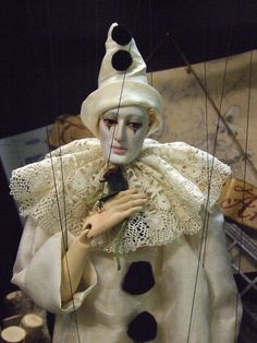 Puppet of a Pierrot Marionette Puppet, Puppets, Beanie Boos, Arte Punch, Pierrot Clown, Circus Clown, Creepy Circus, Send In The Clowns, Puppet Making
