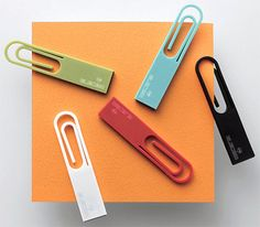 love it!! paperclip usb drive. if only i was still in school.