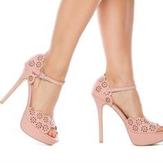 HP 🎉🎉🎉Hazelle by ShoeDazzle Flower Heels Such adorable shoes. Great condition. ⚡️⚡️⚡️FAST SHIPPING 🎎🎎🎎BUNDLE DISCOUNTS 👍🏼👍🏼👍🏼WILLING TO NEGOTIATE  🚭🚭🚭SMOKE-FREE HOME 😎😎😎I ALSO BUNDLE WITH @lv74 CHECK OUT HER CLOSET!  ⚠️⚠️⚠️WANT TO GET RID OF CLOSET FAST--MAKE AN OFFER!! ❤️❤️❤️IM A SUGGESTED USER ON POSH! Shoe Dazzle Shoes Platforms