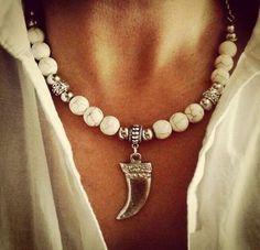 Collar Horns - List of the best jewelry Boho Necklace, Boho Jewelry, Jewelry Art, Wedding Jewelry, Beaded Jewelry, Jewelry Accessories, Jewelry Necklaces, Jewelry Design, Feet Jewelry