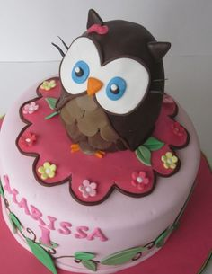 Owl Cake from Round House Cakes  - @Michelle Webre-Rich - thought of you!