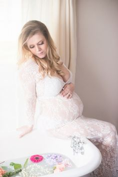 Maternity Pose Maternity Milk bath {Seattle Maternity and Milk Bath Photographer} - Kamikay Photography