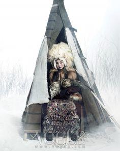 "Vogue Korea January 2012 Issue Editorial: ""Queen Of Snow"" Photographer: Hong Jang Hyun Stylist: Jiah Yi Models: Han Hye Jin, Song Kyung Ah, and Jang Yoon Ju Vogue Korea, Vogue Japan, Vogue Fashion, Fashion Art, Editorial Fashion, Folk Fashion, Ethnic Fashion, Asian Fashion, Korea Fashion"