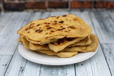 Sourdough naan bread recipe - great with any curry | Foodgeek Sourdough Naan Bread Recipe, Recipes With Naan Bread, Tandoor Oven, Best Curry, Clarified Butter Ghee, Non Stick Pan, Indian Dishes, Curries, Breakfast