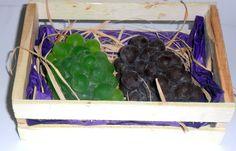 Sabonete artesanal Cacho de uvas Produto feito a mão sob encomenda 100% artesanal.