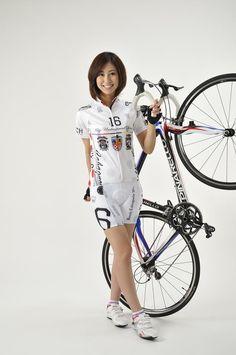 Pinarello~ Beauty and the Beauty Cycling Art, Road Cycling, Road Bike, Beautiful Roads, Bicycle Girl, Super Bikes, Sport Girl, Sports Women, Sexy