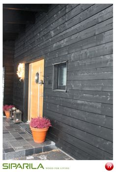 Modern style of siding is Topcoat channel UTW. Topcoat siding has 15 years warranty.