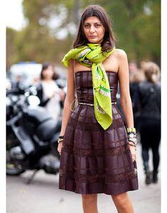 Giovanna Battaglia accessorizes her burgundy Valentino dress with a neon green Hermes scarf. Giovanna Battaglia, Paris Fashion, Spring Fashion, Girl Fashion, Fall Dresses, Fall Outfits, Julia Sarr Jamois, Head Scarf Styles, Carmen Dell'orefice