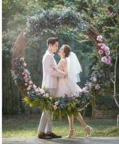 4 stunning circular floral wall wedding backdrops (14)
