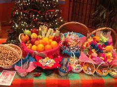 Mesa de Aguinaldos.  Candy Posada Buffet