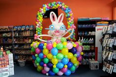 Easter Bunny in the basket, for a deli store. We do not know if that balloon sculpture raised the sales, but it sure put a lot of smiles on the customer`s faces! Balloon Centerpieces, Balloon Decorations, Balloon Ideas, Balloon Wall, Balloon Arch, Balloons And More, Easter Celebration, Baby Shower Balloons, Easter Ideas